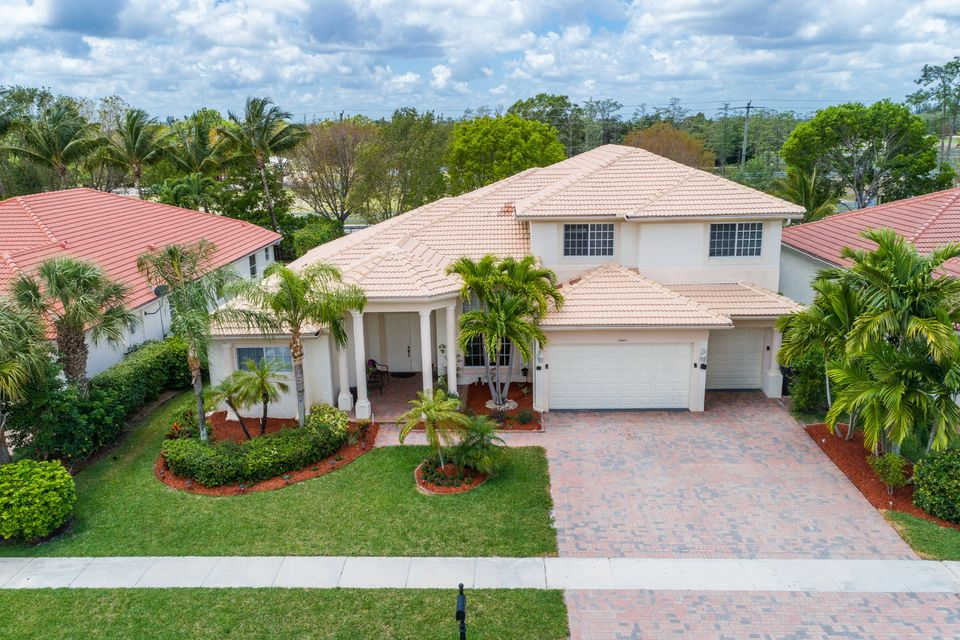 11847 Osprey Pointe Circle  Wellington, FL 33449