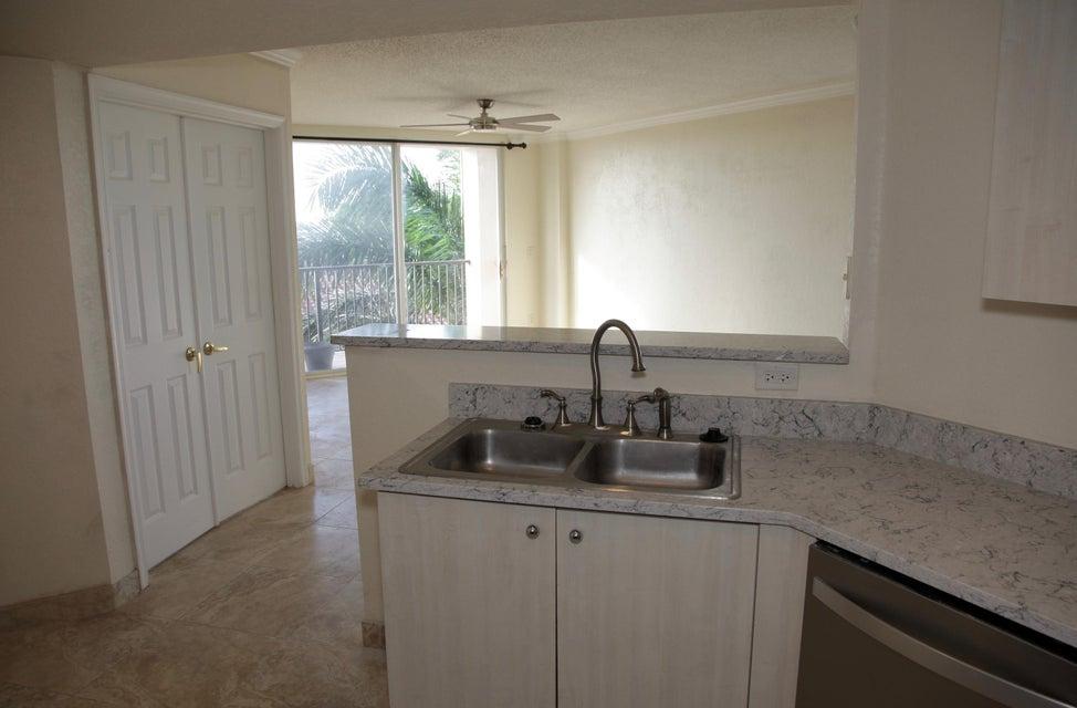 1801 N Flagler Drive 624 West Palm Beach, FL 33407 photo 4