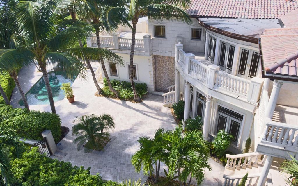 Single Family Home for Sale at 1017 N Flagler Drive 1017 N Flagler Drive West Palm Beach, Florida 33401 United States
