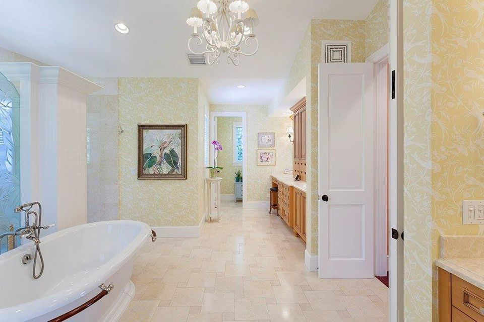 201 S Atlantic Drive , Lantana FL 33462 is listed for sale as MLS Listing RX-10386664 photo #23