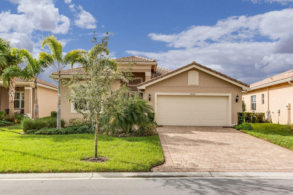 8334 Cloud Peak Drive  Boynton Beach FL 33473