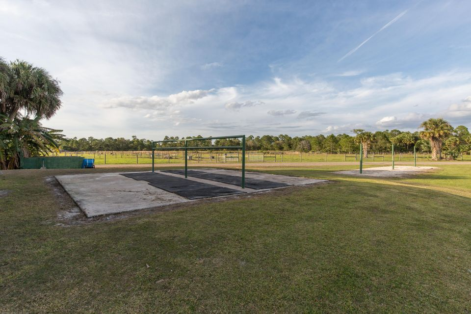 Additional photo for property listing at 30003 SW Martin Highway 30003 SW Martin Highway Palm City, Florida 34990 United States