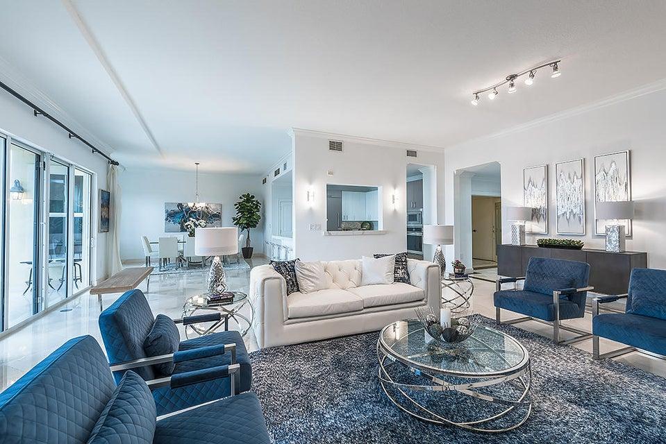 Condominium for Sale at 3920 N Flagler Drive # 302 3920 N Flagler Drive # 302 West Palm Beach, Florida 33407 United States