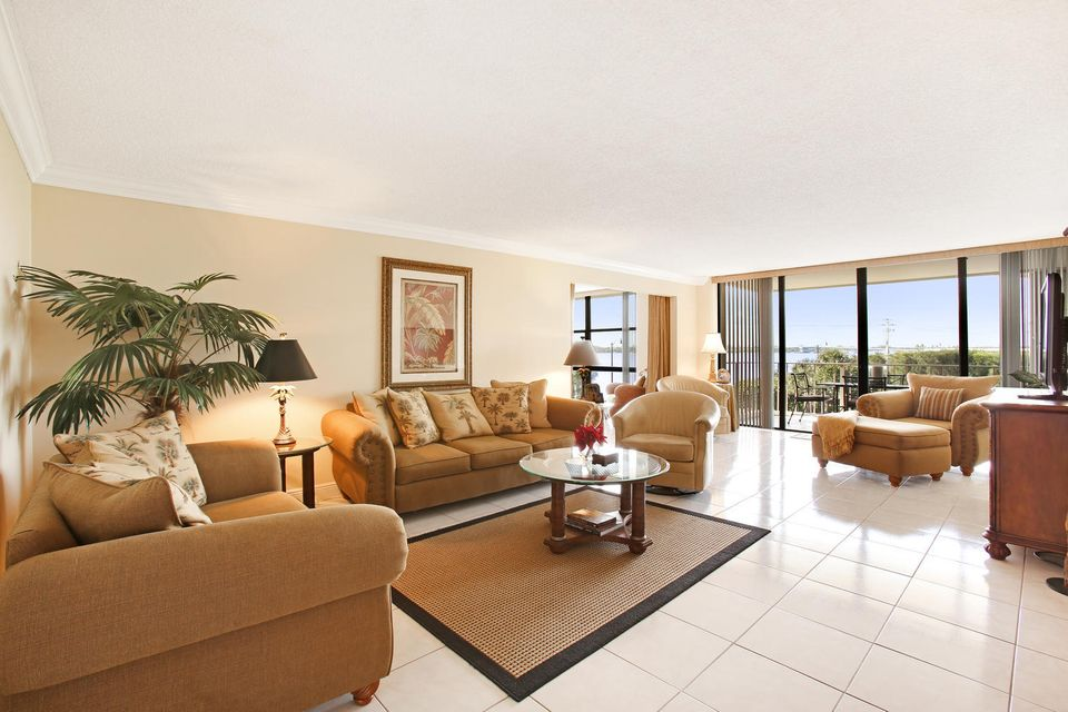 Home for sale in THIRTY TWO HUNDRED CONDO Palm Beach Florida
