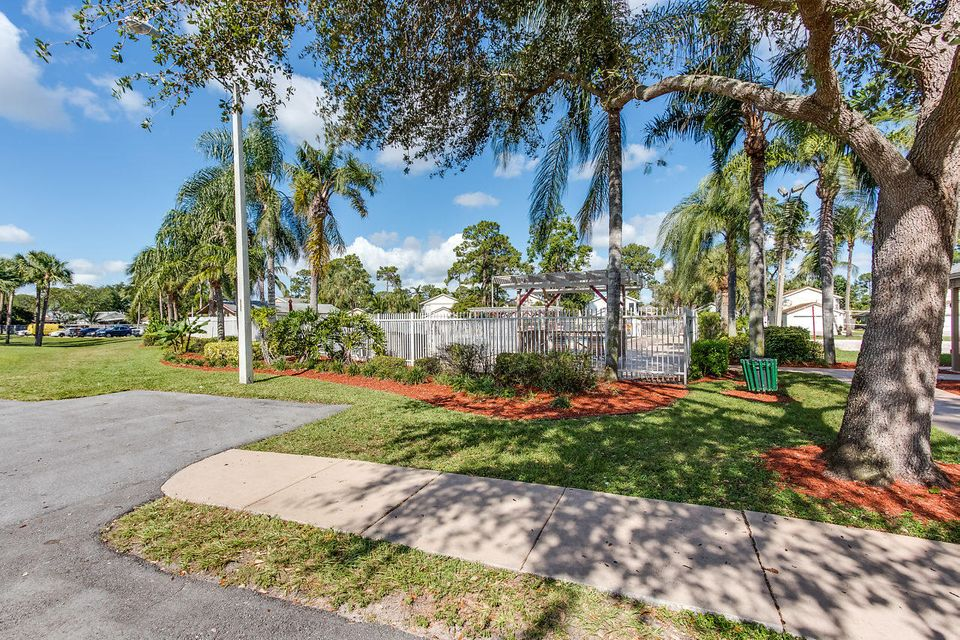 5698 Dewberry Way West Palm Beach, FL 33415 photo 27