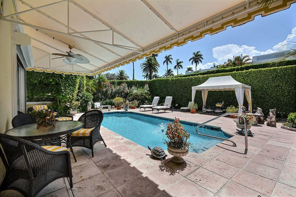 665 N Lake Way , Palm Beach FL 33480 is listed for sale as MLS Listing RX-10386054 photo #3