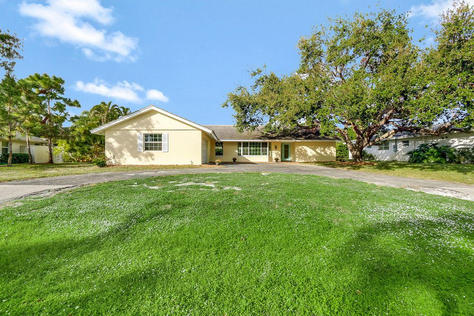 Single Family Home for Sale at 326 Fairway 326 Fairway Tequesta, Florida 33469 United States