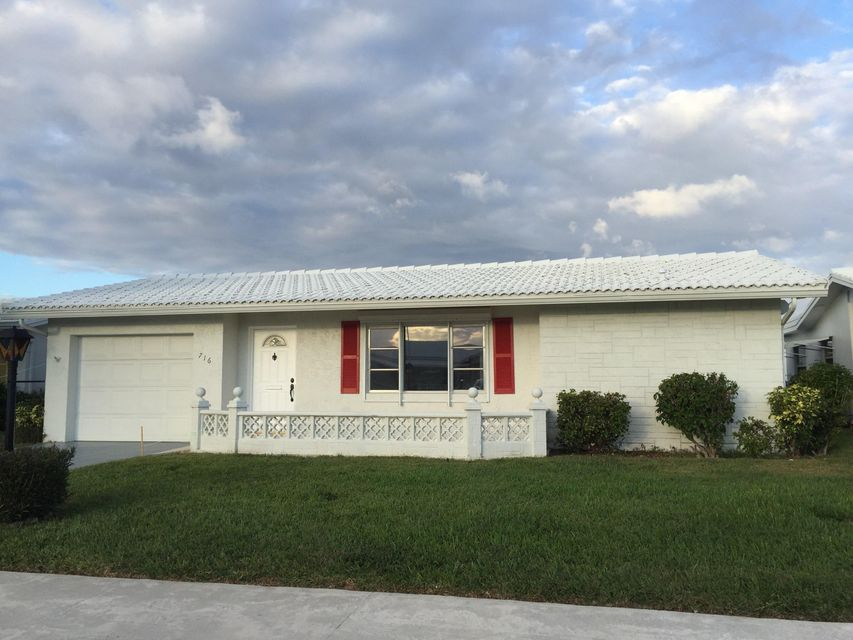 Single Family Home for Sale at 716 SW 18th Street 716 SW 18th Street Boynton Beach, Florida 33426 United States
