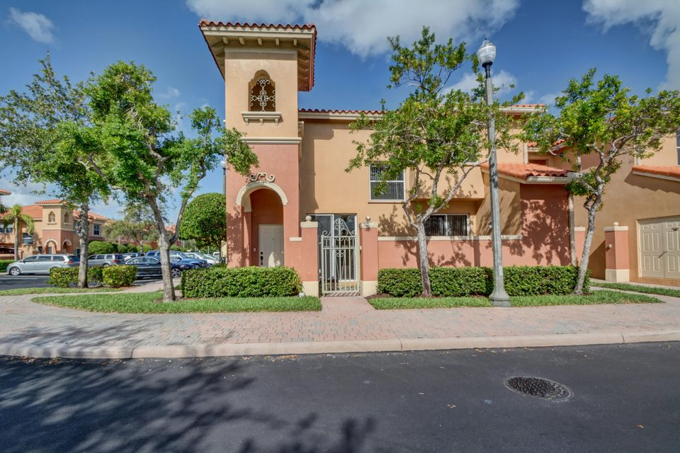 Home for sale in VILLAS AT HARBOR ISLES Fort Lauderdale Florida