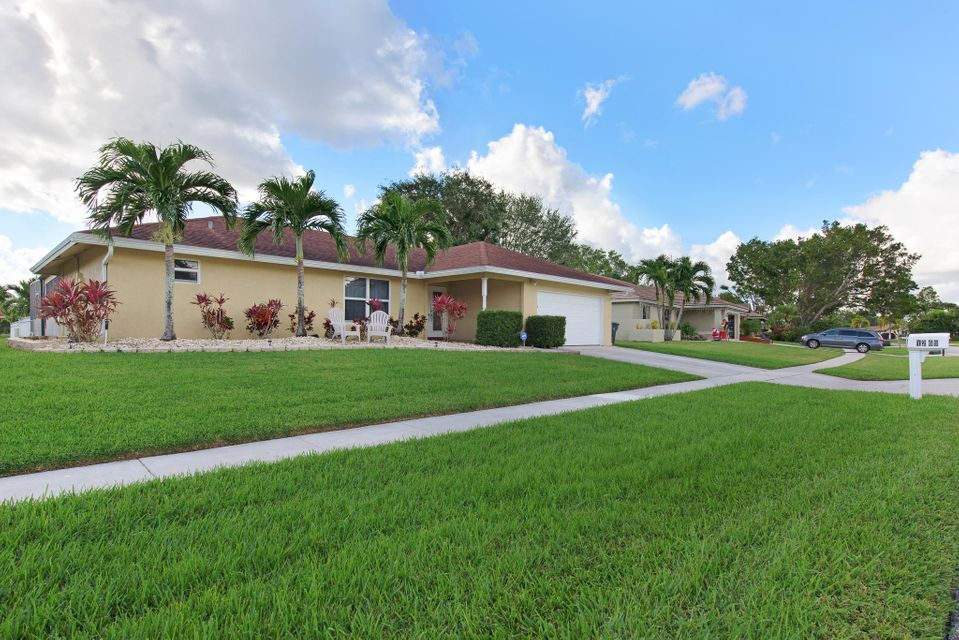 Photo of  Wellington, FL 33414 MLS RX-10385066