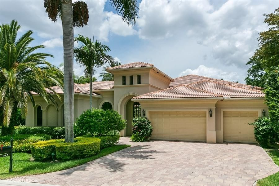 102 Grand Palm Way , Palm Beach Gardens FL 33418 is listed for sale as MLS Listing RX-10386428 32 photos