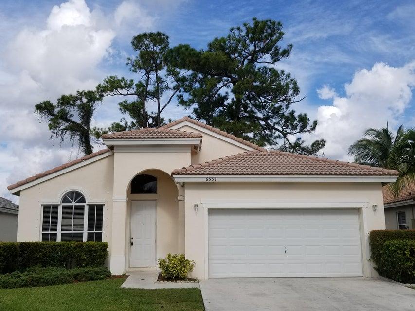 Casa para uma família para Venda às 6551 Spring Meadow Drive 6551 Spring Meadow Drive Greenacres, Florida 33413 Estados Unidos