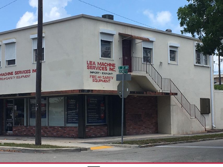 Commercial for Sale at 927 S 21st Avenue # A 927 S 21st Avenue # A Hollywood, Florida 33020 United States