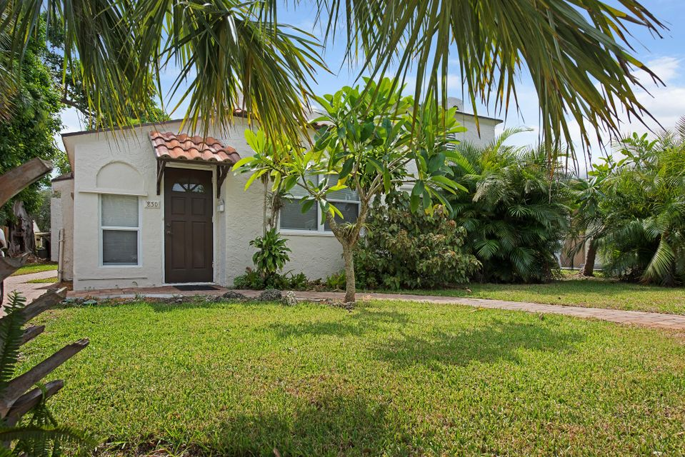 830 Valley Forge  West Palm Beach, FL 33405
