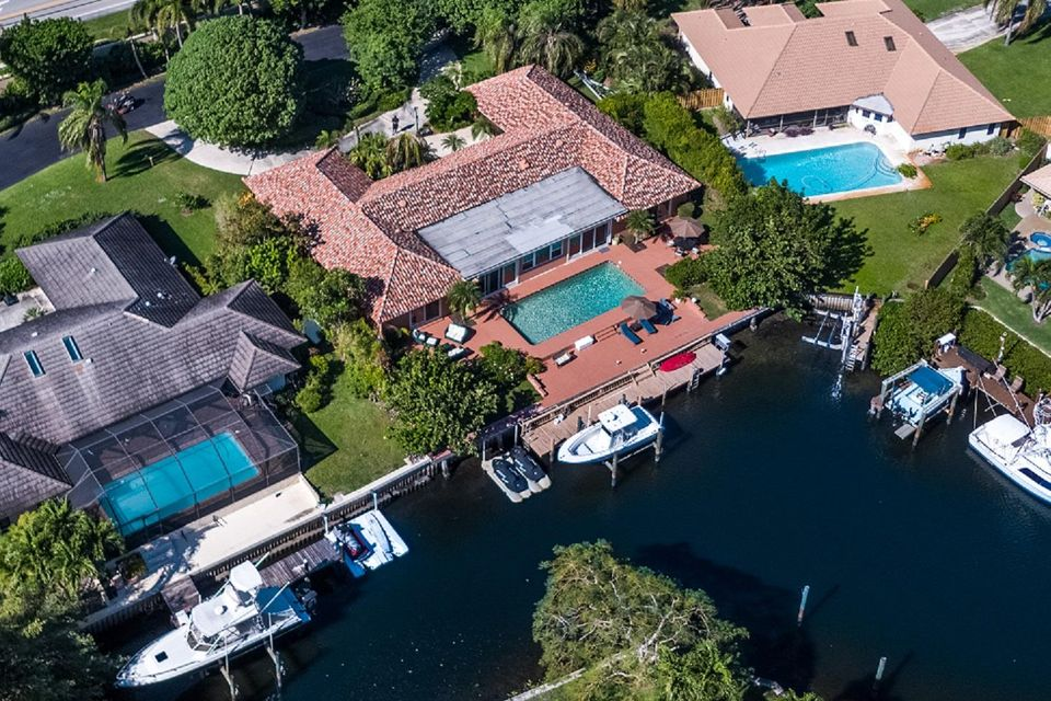 2346 Bay Village Court , Palm Beach Gardens FL 33410 is listed for sale as MLS Listing RX-10386995 34 photos