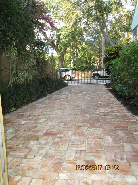 Photo of  West Palm Beach, FL 33401 MLS RX-10385632
