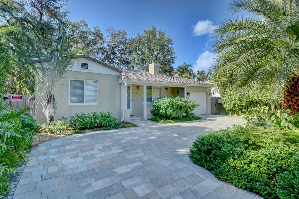 201 NE 17 Avenue , Fort Lauderdale FL 33301 is listed for sale as MLS Listing RX-10388232 49 photos