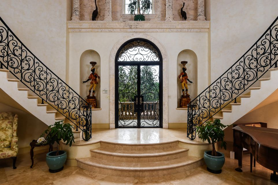 120  Clarendon Avenue , Palm Beach FL 33480 is listed for sale as MLS Listing RX-10387181 photo #2
