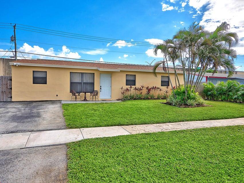 9324 Birmingham Drive , Palm Beach Gardens FL 33410 is listed for sale as MLS Listing RX-10388523 10 photos