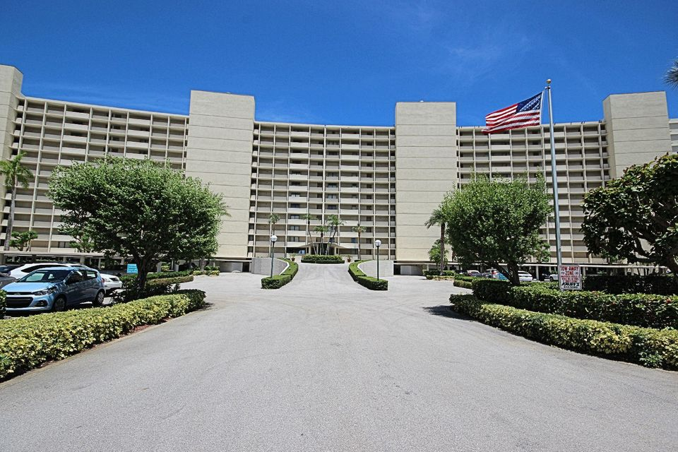 122 Lakeshore Drive 8320  North Palm Beach FL 33408