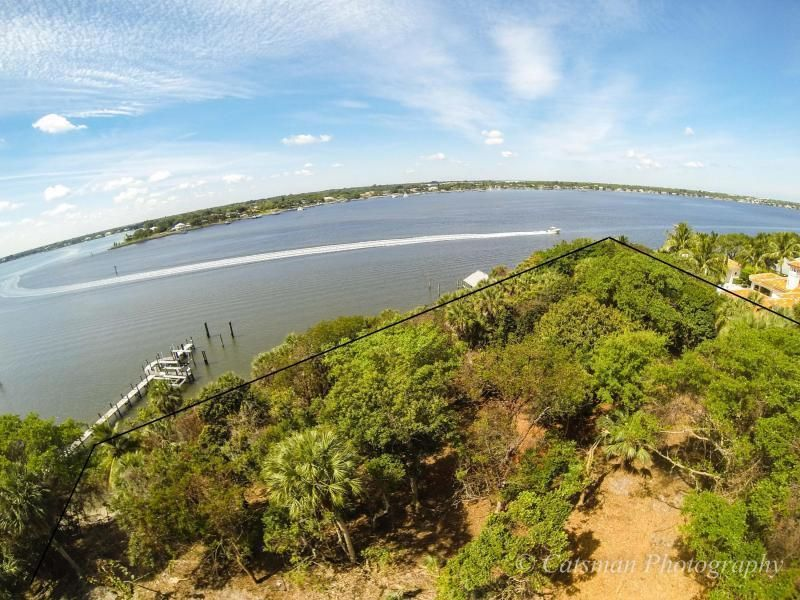 Additional photo for property listing at 131 S River Road  Sewalls Point, Florida 34996 United States