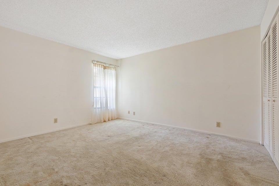 8156 Pine Circle Tamarac, FL 33321 - photo 14