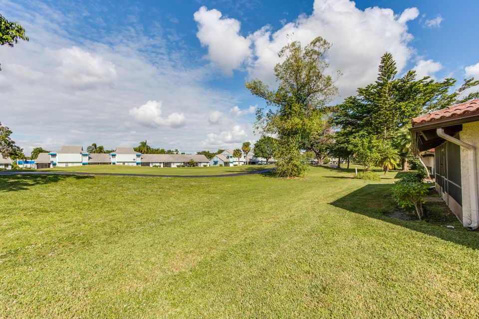 8156 Pine Circle Tamarac, FL 33321 - photo 27
