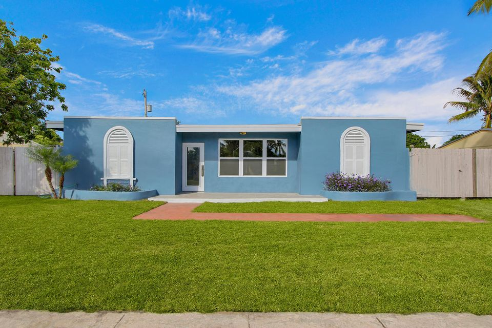 Home for sale in SEMINOLE MANOR Lake Worth Florida