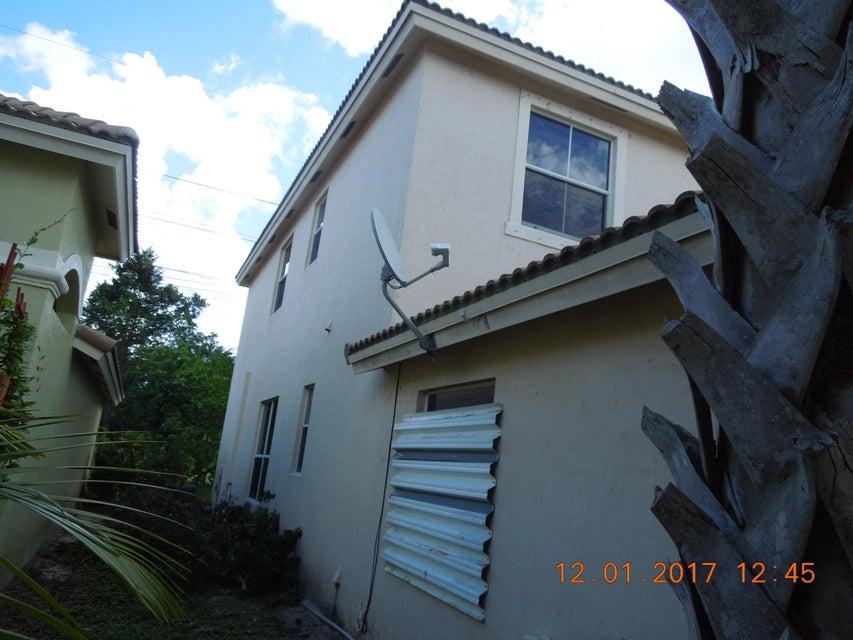 3975 Torres Circle West Palm Beach, FL 33409 photo 7