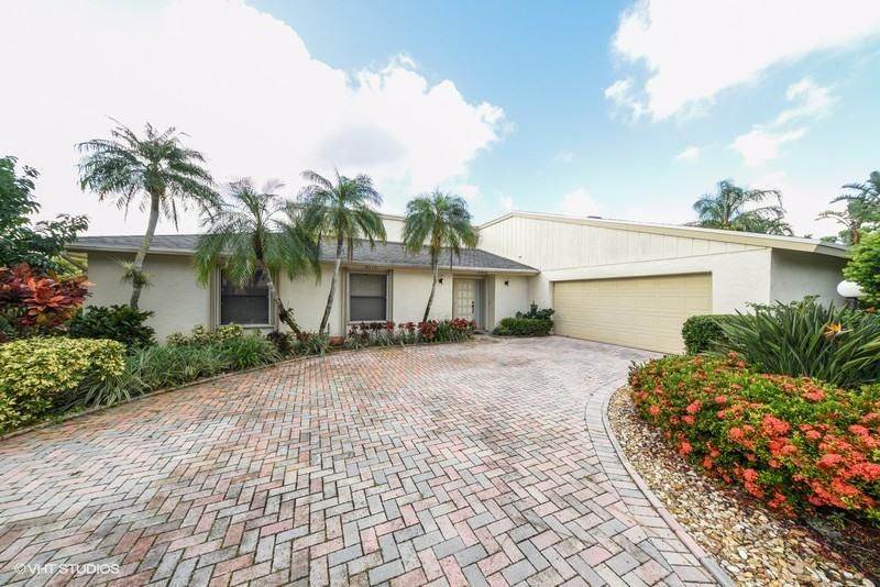6510 Eastpointe Pines Street , Palm Beach Gardens FL 33418 is listed for sale as MLS Listing RX-10376235 41 photos