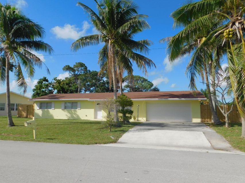 9361 Applecrest Drive , Palm Beach Gardens FL 33410 is listed for sale as MLS Listing RX-10387754 40 photos