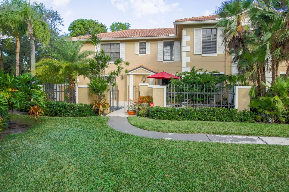 357 Prestwick Circle 4 , Palm Beach Gardens FL 33418 is listed for sale as MLS Listing RX-10396342 20 photos