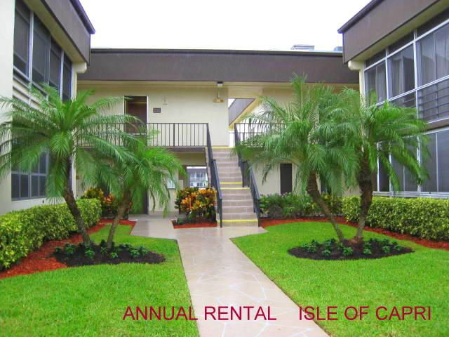 Co-op / Condominio por un Alquiler en 82 Capri B 82 Capri B Delray Beach, Florida 33484 Estados Unidos