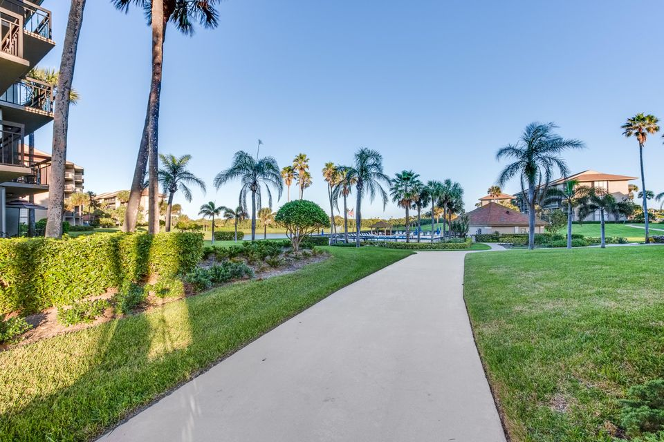 Additional photo for property listing at 301 S Seas Drive # 203  Jupiter, Florida 33477 United States