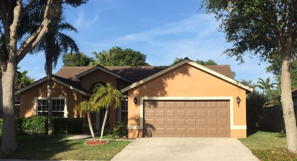 Single Family Home for Sale at 7600 NW 47th Avenue 7600 NW 47th Avenue Coconut Creek, Florida 33073 United States