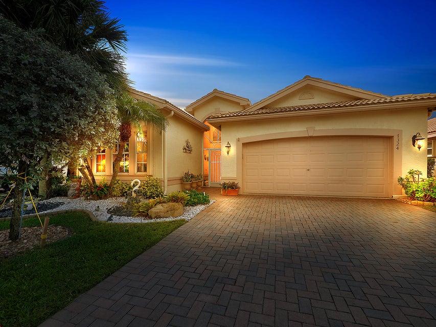 VALENCIA ISLES home 7324 Tonga Court Boynton Beach FL 33437