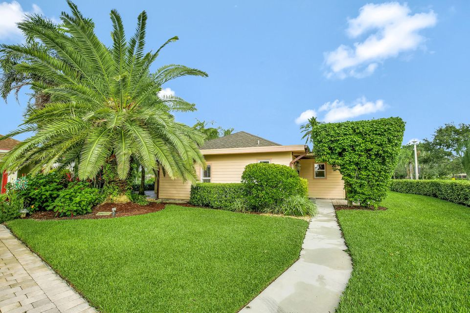 View Photo Slide Show (20) 20 Photo. FOR SALE: $329,900. 13781 Eastpointe  Way, West Palm Beach, FL 33418