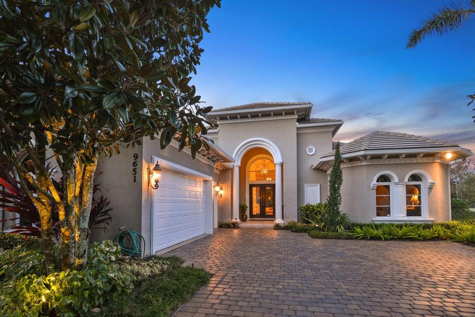 Casa Unifamiliar por un Venta en 9651 SE Sandpine Lane 9651 SE Sandpine Lane Hobe Sound, Florida 33455 Estados Unidos