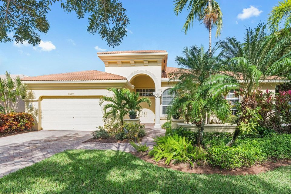 Single Family Home for Sale at 8805 Via Grande 8805 Via Grande Wellington, Florida 33411 United States