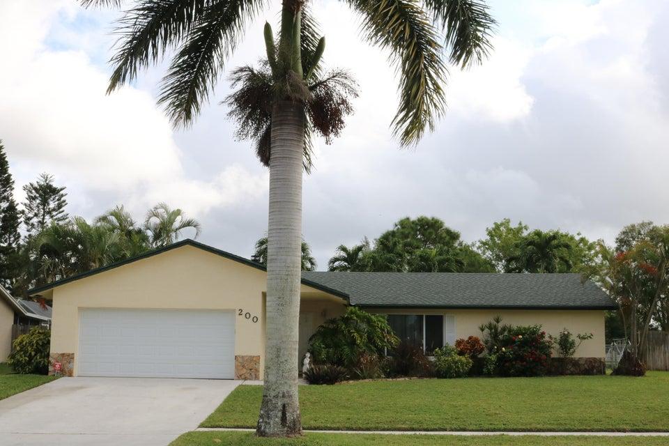 200 Martin Circle Royal Palm Beach, FL 33411 photo 2
