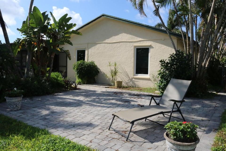 200 Martin Circle Royal Palm Beach, FL 33411 photo 15