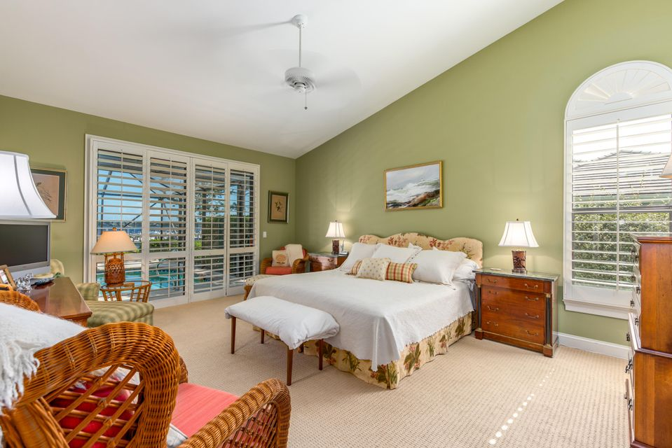 Additional photo for property listing at 12784 NW Mariner Court 12784 NW Mariner Court Palm City, Florida 34990 Estados Unidos