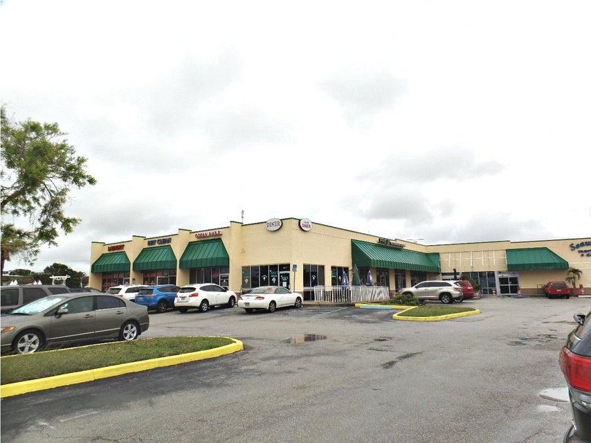 Geschäft für Verkauf beim 1011 Seaway Drive 1011 Seaway Drive Fort Pierce, Florida 34949 Vereinigte Staaten