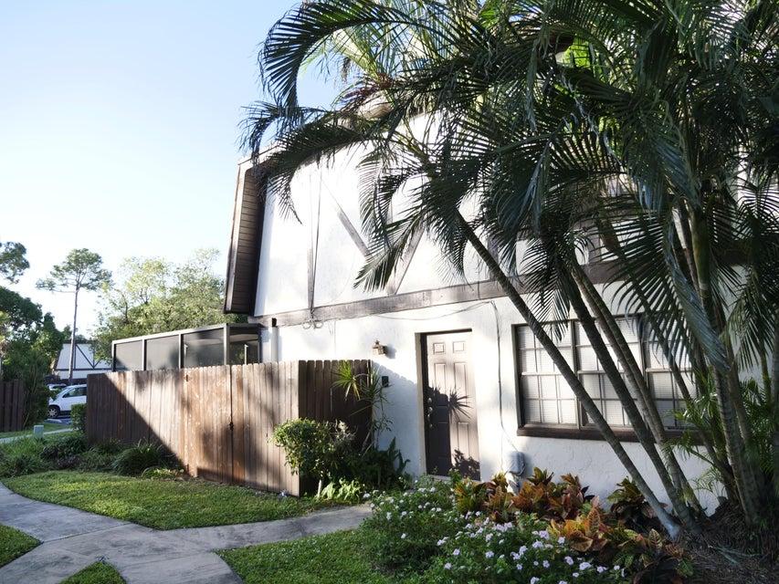 102 Weybridge Circle B Royal Palm Beach, FL 33411 photo 2