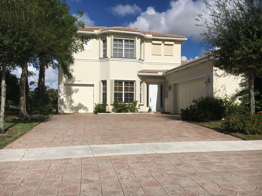 1203 Bayview Way  Wellington, FL 33414
