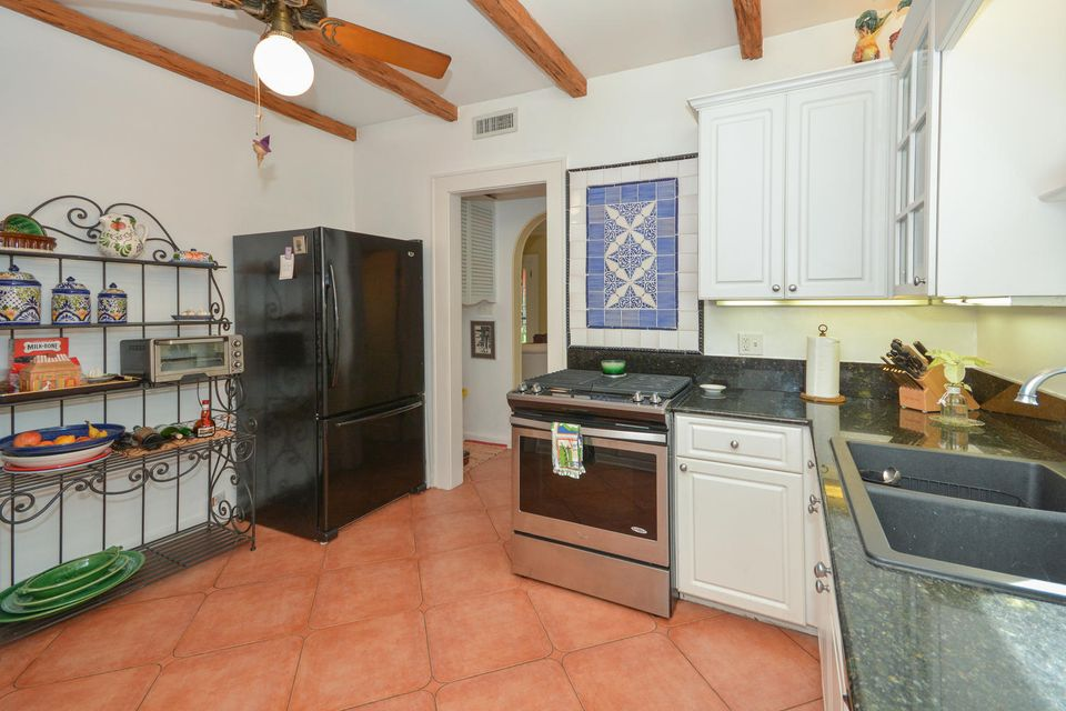227 Marlborough Road West Palm Beach, FL 33405 photo 17