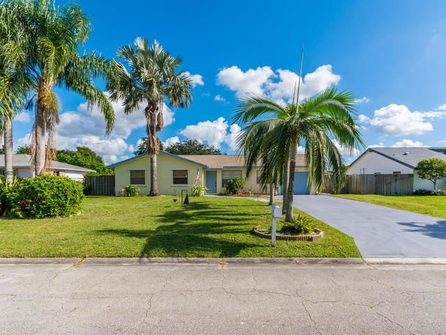132 Heron Parkway  Royal Palm Beach, FL 33411