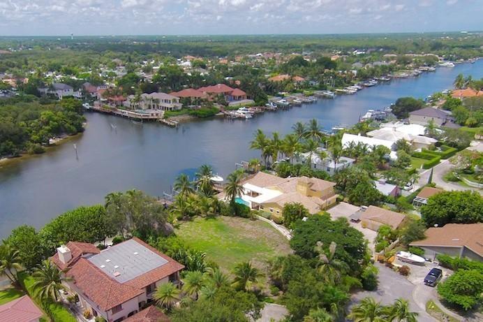 Terreno por un Venta en 2103 Cove Lane 2103 Cove Lane North Palm Beach, Florida 33408 Estados Unidos