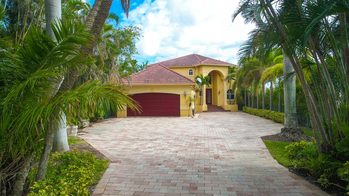 Single Family Home for Sale at 10 Intracoastal Way 10 Intracoastal Way Lake Worth, Florida 33460 United States