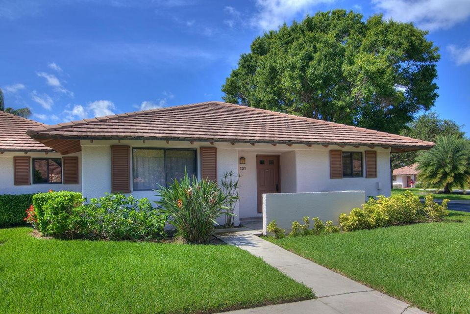Villa for Rent at 121 Club Drive 121 Club Drive Palm Beach Gardens, Florida 33418 United States